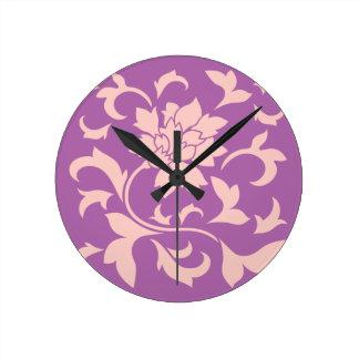 Orientalische Blume - Rosen-Quarz u. leuchtende Runde Wanduhr