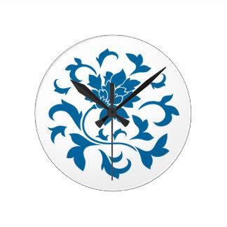 Orientalische Blume - Snorkel-blaues Kreismuster Runde Wanduhr
