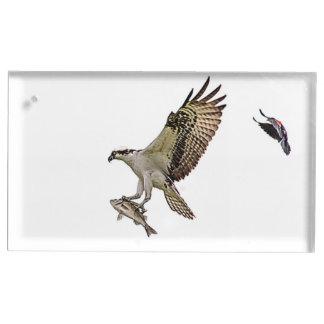 Osprey, der durch eine rotgeflügelte Amsel gejagt Tischkartenhalter