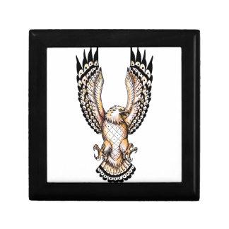 Osprey, der vordere Tätowierung Swooping ist Schmuckschachtel