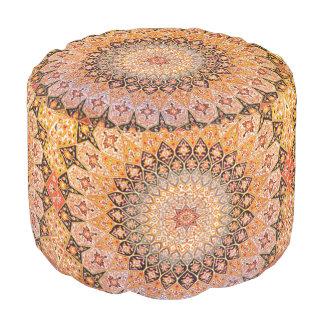 Ostakzent-Vintages persisches Muster Hocker