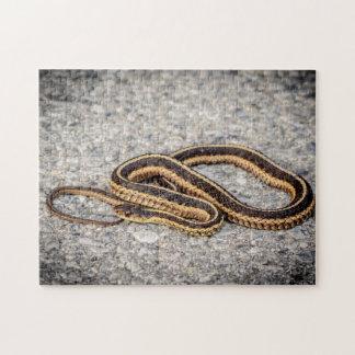 Ostband-Schlange (Strumpfband-Schlange) Puzzle