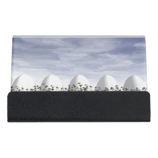 Ostereier in der Natur bis zum bewölktem Tag - 3D Schreibtisch-Visitenkartenhalter