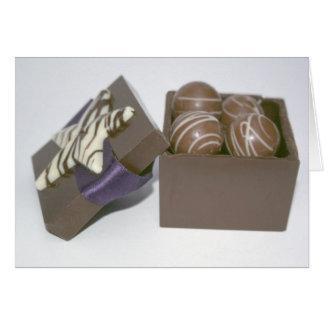 Ostereier in einem Schokoladenkasten Karte