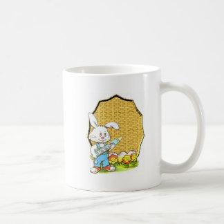 Osterhase mit Zeichenstift Kaffeetasse