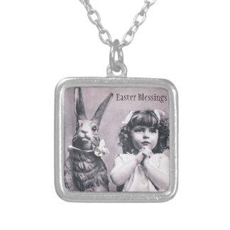 Osterhasen-viktorianisches Mädchen, das antike Kar Halskette Mit Quadratischem Anhänger