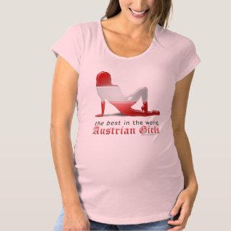 Österreichische Mädchen-Silhouette-Flagge Umstands-T-Shirt