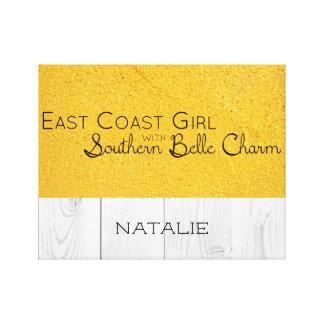 Ostküsten-Mädchen mit südlichem Schönheits-Charme Leinwanddruck