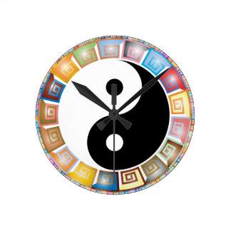 östliche asiatische Philosophie yin Yang Runde Wanduhr