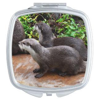 Otterly göttliche Otter, Taschenspiegel