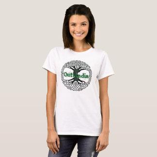 Outlandia - Baum mit grünen Buchstaben T-Shirt