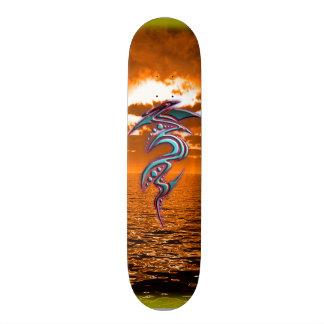 Ozean-Stamm-Sonnenuntergang - vorbei - ElixirNinE Bedrucktes Skateboard