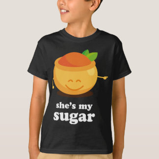 Paar-niedlicher Zucker und würzt seins T-Shirt