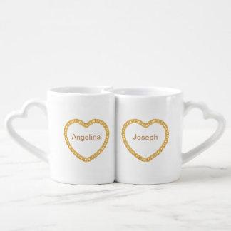 Paar-personalisierte Kaffee-Tasse mit Goldherzen Liebestassen