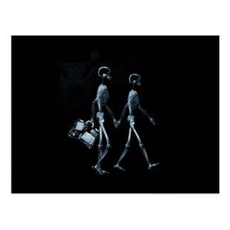 Paar-reisende Röntgenblick-Skelette - Blau Postkarten