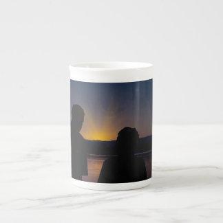 Paare am Sonnenuntergang, auf Knochen China Porzellantasse