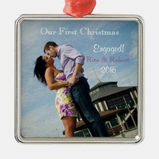 Paare der Verzierungs-| ersten dem Weihnachten in Silbernes Ornament