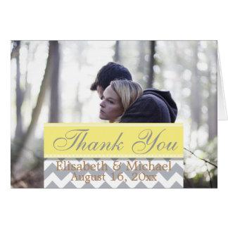Paare in den Liebe-zart Umarmungen/danken Ihnen Karte