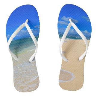 Paare von drehen Reinfälle mit Sand-und Flip Flops