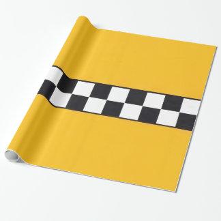 Packpapier mit gelbem Taxi