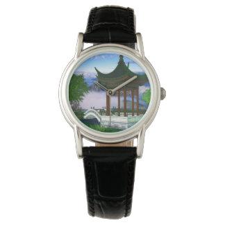 Pagoden-Natur-Landschaftsphantasie Uhr
