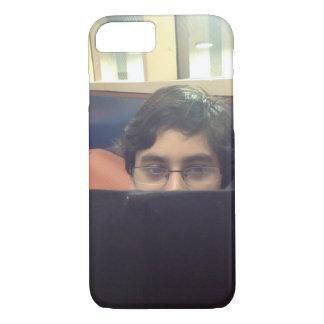 Pakistanischer Junge, der iPhone Fall studiert iPhone 8/7 Hülle