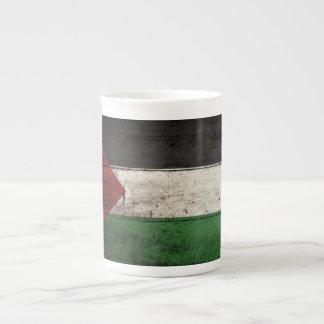 Palästina-Flagge auf altem hölzernem Korn Porzellantasse