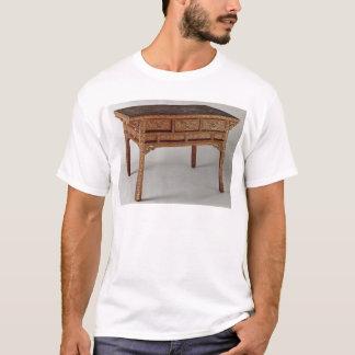 Palasttabelle, Ming-Dynastie, Hsuan Te Zeitraum T-Shirt