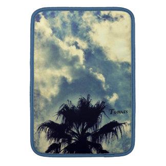 Palme und Wolken MacBook-Lufthülse MacBook Sleeve