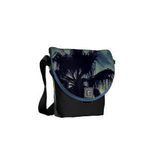 Palme und Wolkenbotetasche Kurier Tasche