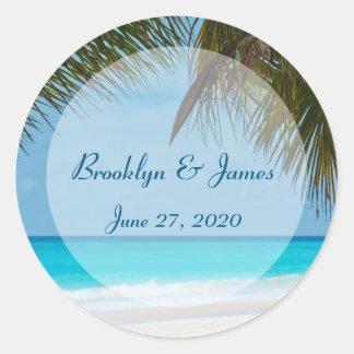 Palmen auf Strand-Hochzeits-Aufklebern Runder Aufkleber