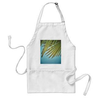Palmenwedel am Sommerhimmel Schürze