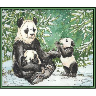 Panda-Bärn-Familie im Winter Freistehende Fotoskulptur