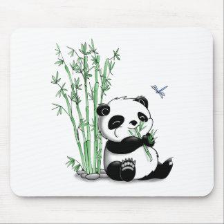 Panda der Bambus isst Mauspads
