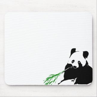 Panda, der Bambus isst Mousepad