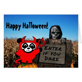 Panda im Teufel-Kostüm am Spuk Mais-Labyrinth Karte