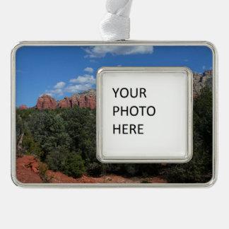 Panorama der roten Felsen in Sedona Arizona Rahmen-Ornament Silber