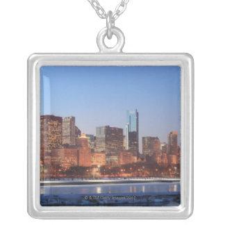 Panorama von Chicago, Illinois über See Versilberte Kette