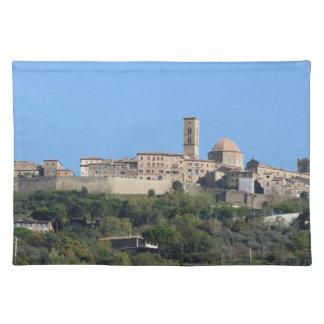 Panorama von Volterra Dorf, Toskana, Italien Tischset