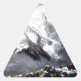 Panoramablick von Everest-Berg Dreieckiger Aufkleber