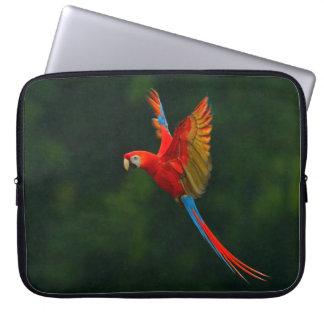 Papagei im Flug Laptopschutzhülle