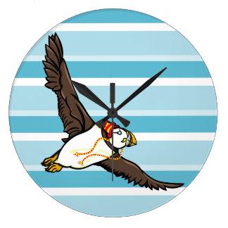 Papageientaucher, der einen Hut ein gestrickter Große Wanduhr