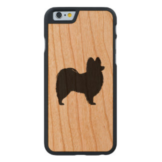 Papillon Silhouette Carved® iPhone 6 Hülle Kirsche