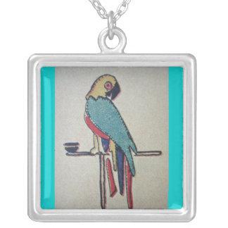 Parakeet Halskette Mit Quadratischem Anhänger