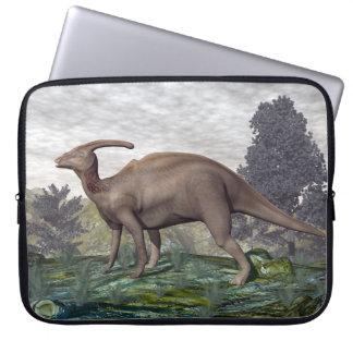 Parasaurolophus Dinosaurier unter Gingkobäumen Laptopschutzhülle