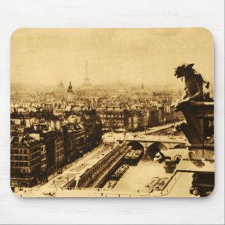 Pari Skyline mit Notre Dame-Wasserspeier Mousepad