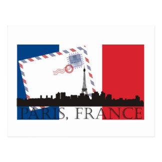 Parisflagge und -Skyline Postkarte