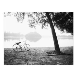 Park Hanois Vietnam, des Fahrrades u. Bucht Mau Postkarte