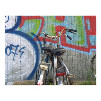 Parkfahrrad-Graffiti-Postkarte Postkarte