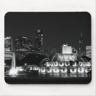 ParkGrayscale Chicagos Grant Mousepad